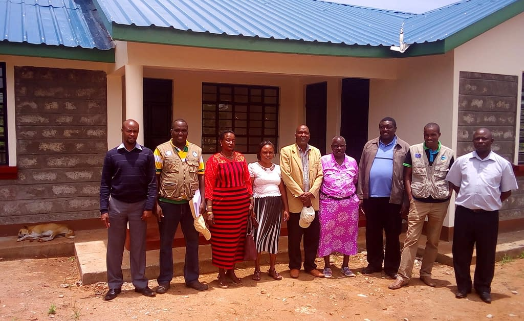 Members of the County steering committee during a visit to the market. Photo: RPLRP Kenya.